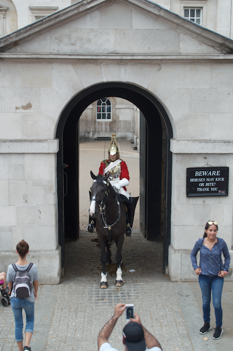 royal-horse-guards-london-megabus-tour